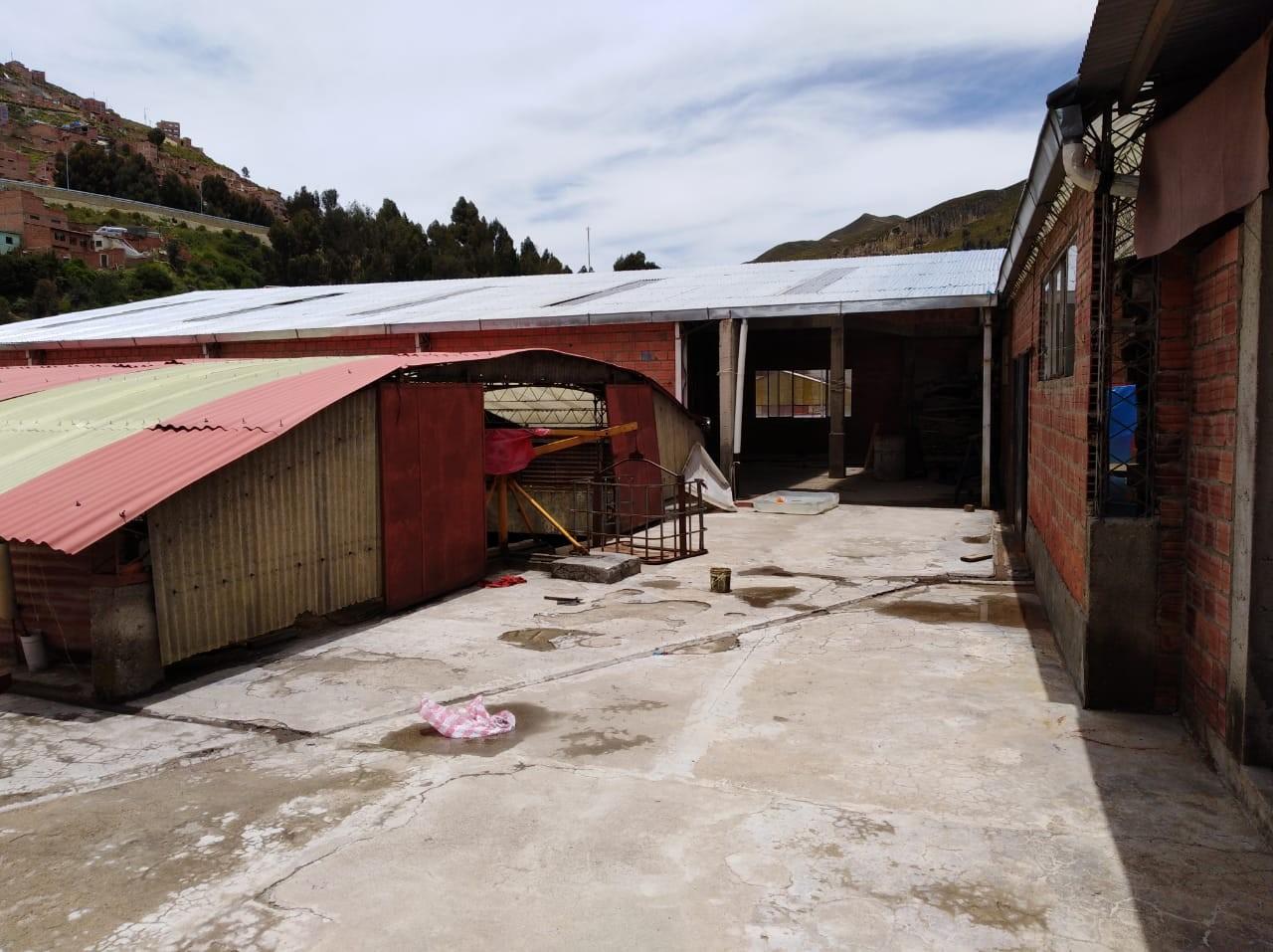 Edificio en Venta ACHACHICALA (Pura Pura) LA PAZ - BOLIVIA  Plena conjunción de Autopista La Paz - El Alto con Av. Chacaltaya Foto 3