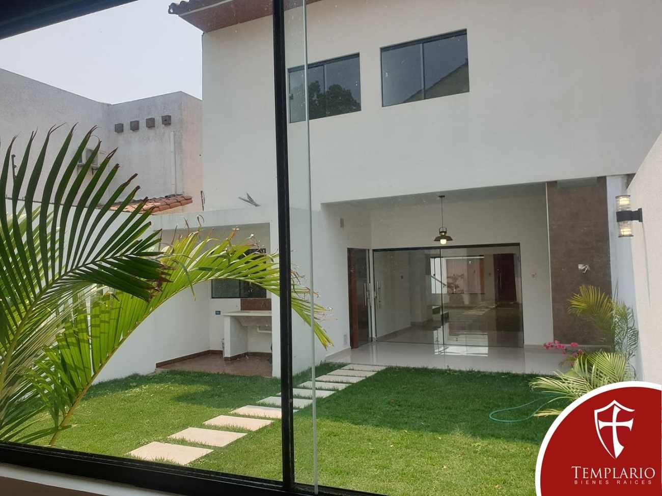 Casa en Venta Av. Santos Dumont 3er y 4to Anillo - Vecindario Residencial Foto 6