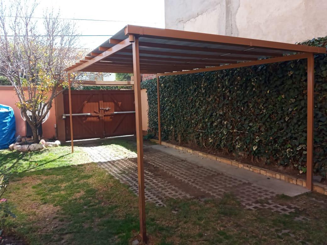 Casa en Alquiler CASA EN ESQUINA CON SOL Foto 3