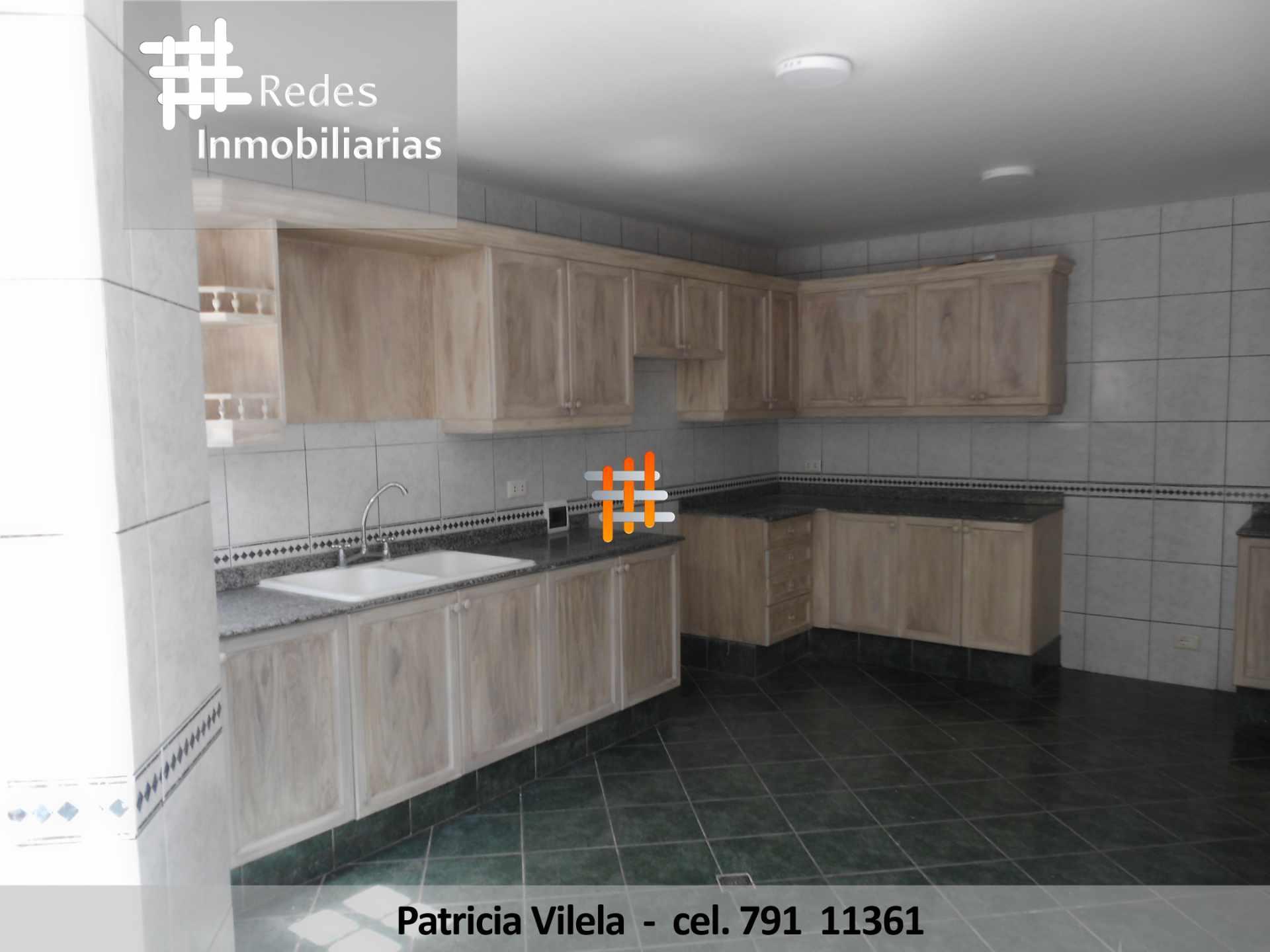 Casa en Venta HERMOSA CASA EN VENTA ACHUMANI CONDOMINIO PRIVADO  Foto 6