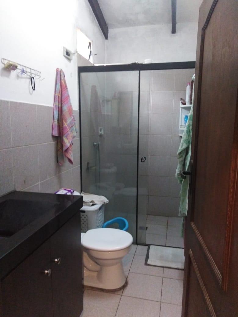 Casa en Venta AV. BANZER ENTRE 3er. y 4to. ANILLO Y RADIAL 27 Foto 3
