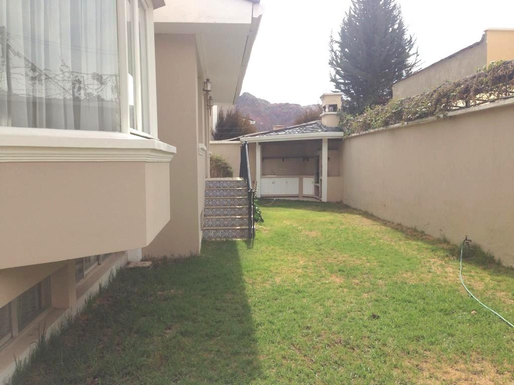 Casa en Alquiler Calacoto Foto 1
