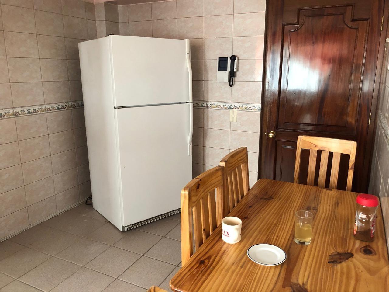 Habitación en Alquiler Amplia y Cómoda habitación en Sopocachi. Av. 20 de Octubre, esq. Campos. Edificio Csapeck  Foto 11
