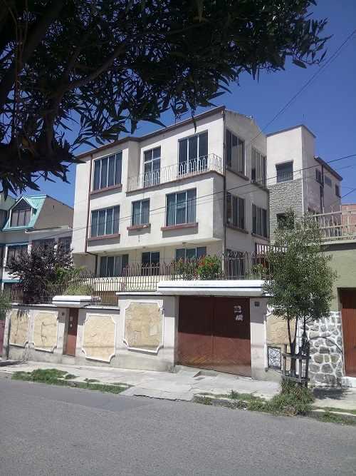 Departamento en Venta Calle Guerrilleros Lanza, zona Miraflores  Foto 2