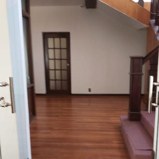Casa en Alquiler Calacoto, calle 12, cerca de la Avenida Ballivián Foto 28
