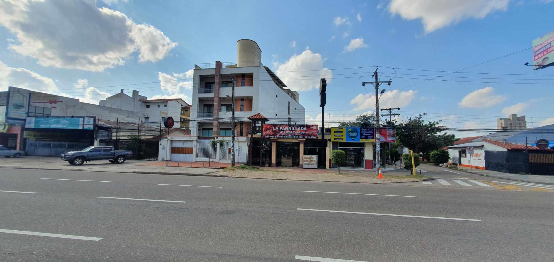 Local comercial en Venta Inmueble comercial Sobre el 2do anillo Entre Av. Alemana y Beni Foto 9