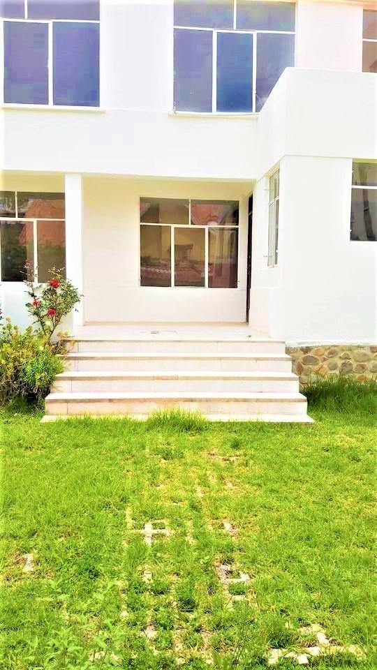 Casa en Alquiler Calacoto Calle 20 Foto 16