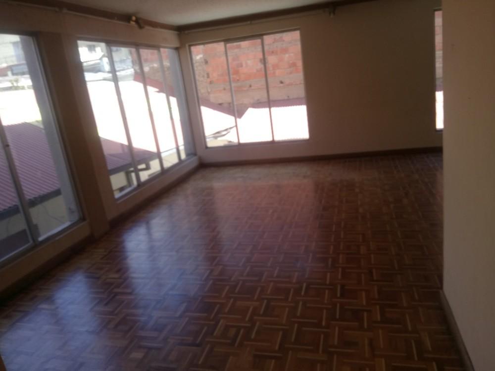 Departamento en Venta Calle Guerrilleros Lanza, zona Miraflores  Foto 5