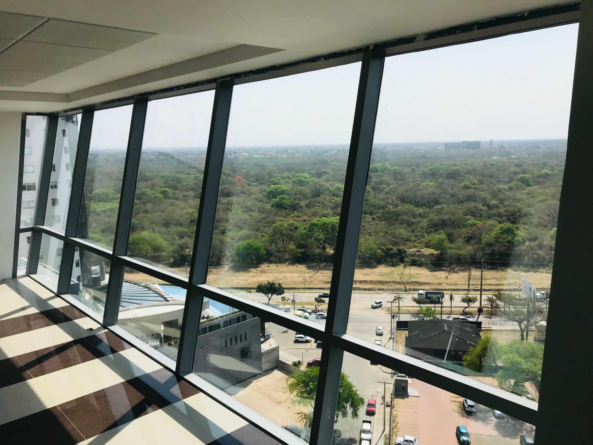 Oficina en Venta Torre de Negocios ALAS. Equipetrol Norte zona Empresarial, Av. San Martín entre 3er y 4to anillo.  Foto 7
