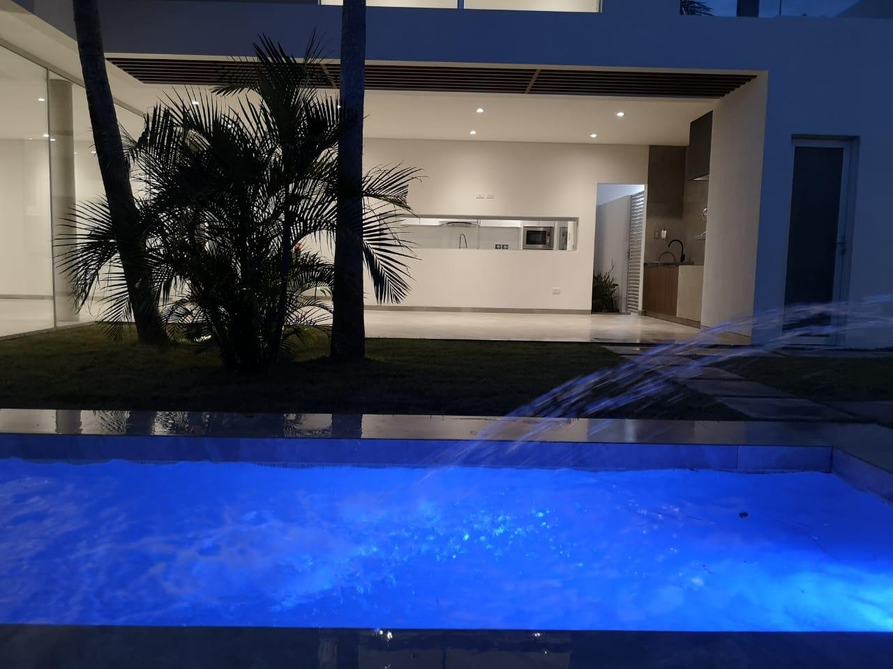 Casa en Alquiler Hermosa Casa 4 dorm. - Cond. Santa Cruz La Vieja Foto 9