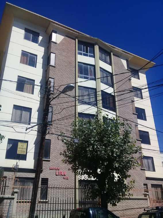 Departamento en Alquiler Edificio Lira (calle Rafael Bustillos #1022) Foto 3