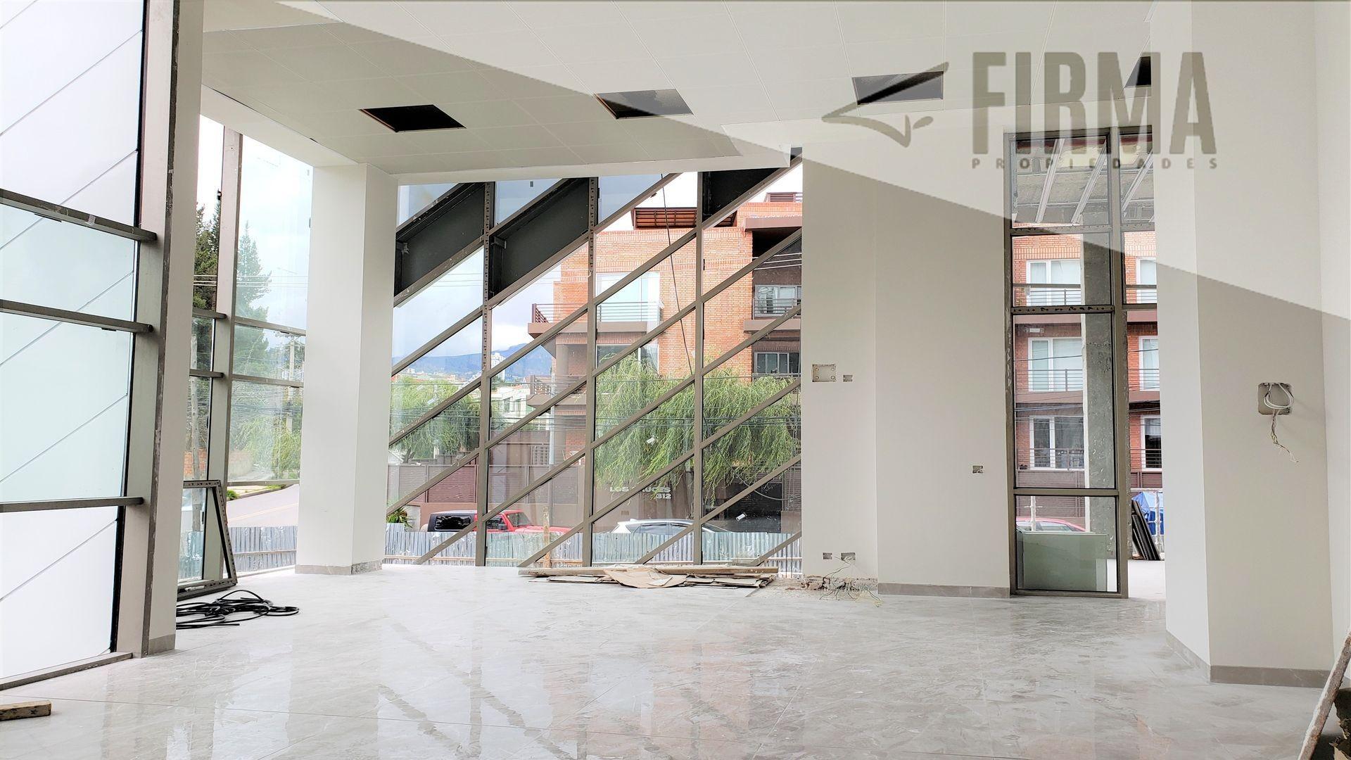 Local comercial en Alquiler CALACOTO, HERMOSO LOCAL EN ALQUILER CON GRAN VISIBILIDAD Foto 3