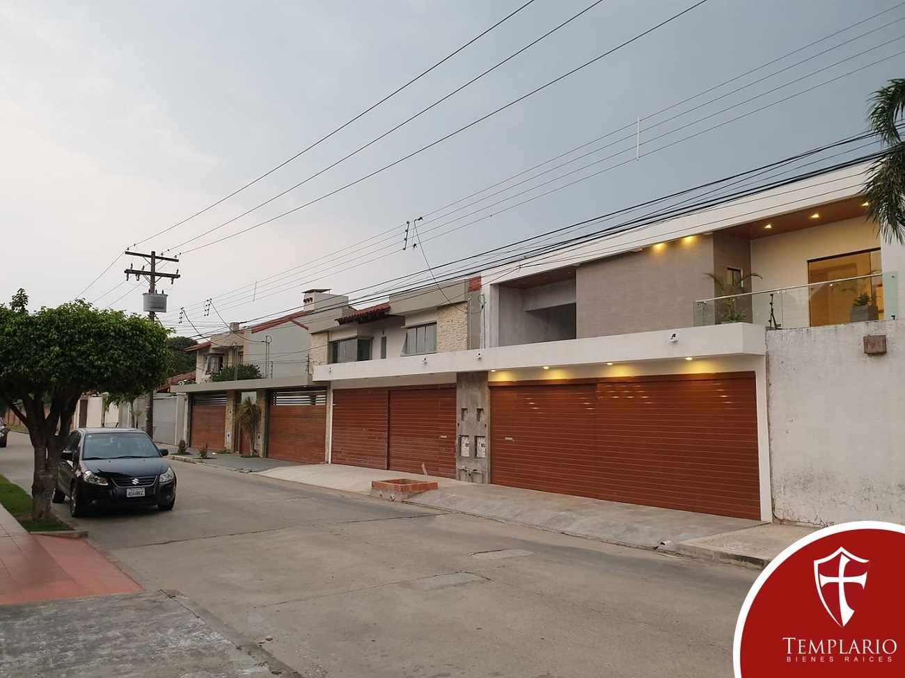 Casa en Venta Av. Santos Dumont 3er y 4to Anillo - Vecindario Residencial Foto 3