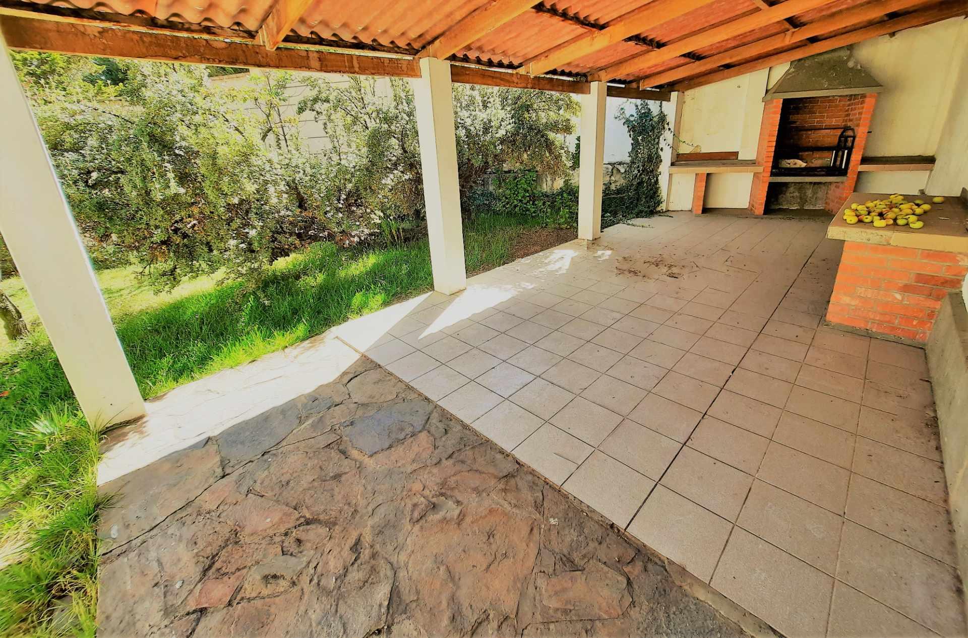 Casa en Alquiler Calle 10 de Calacoto casi esq Av. Costanera Foto 20