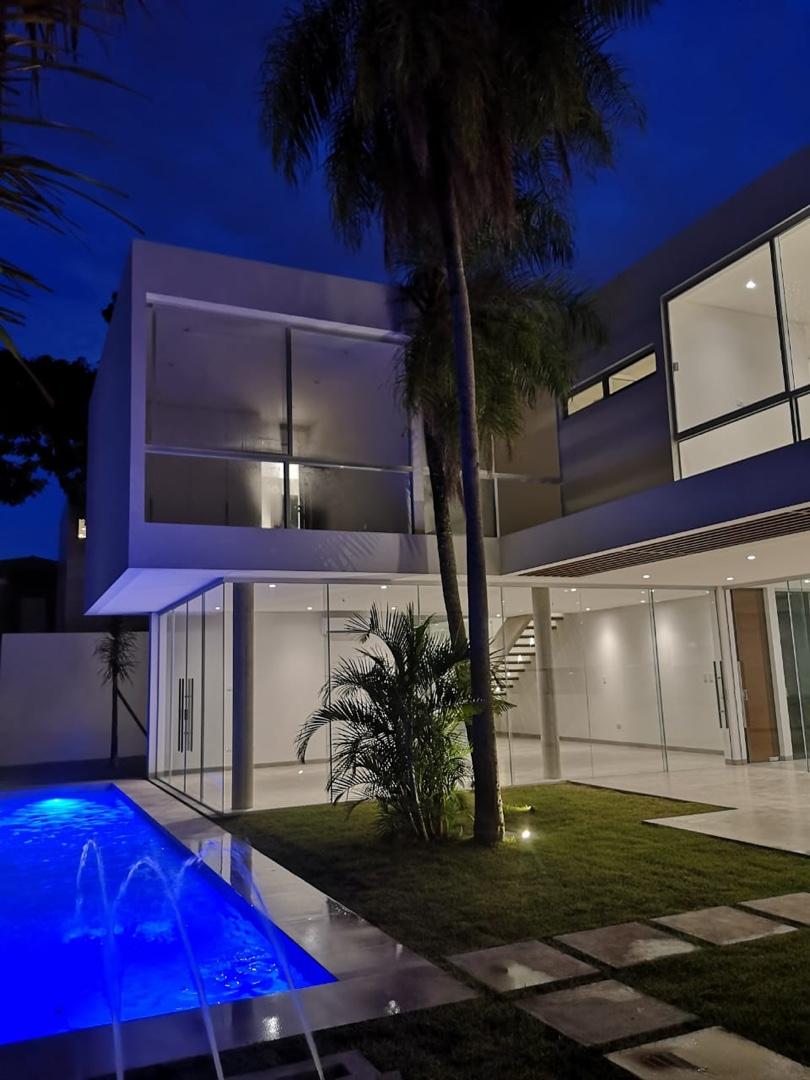 Casa en Alquiler Hermosa Casa 4 dorm. - Cond. Santa Cruz La Vieja Foto 1