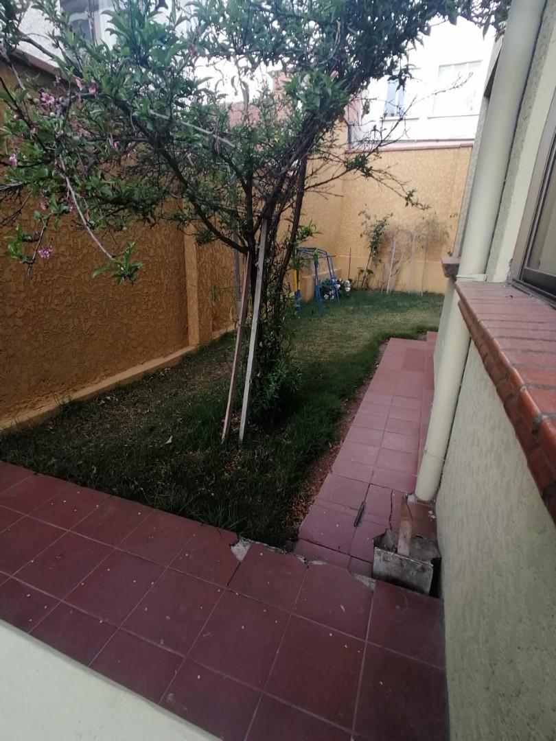 Casa en Venta BONITA CASA EN VENTA EN ALTO OBRAJES EN PLENA PLAZA AMISTAD Foto 5