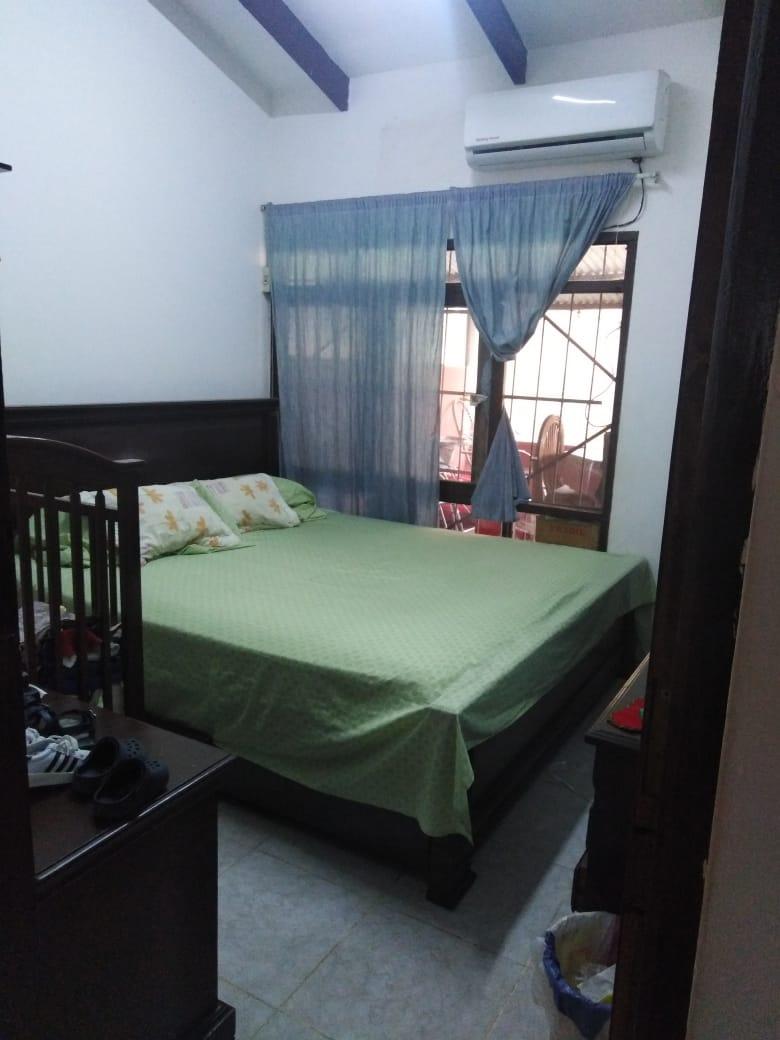 Casa en Venta AV. BANZER ENTRE 3er. y 4to. ANILLO Y RADIAL 27 Foto 9
