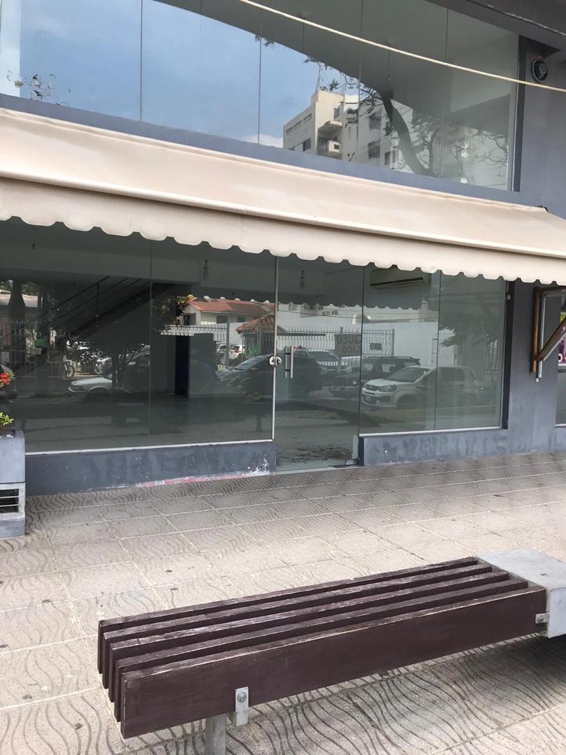 Local comercial en Venta Torres Aventura 2do anillo Foto 10
