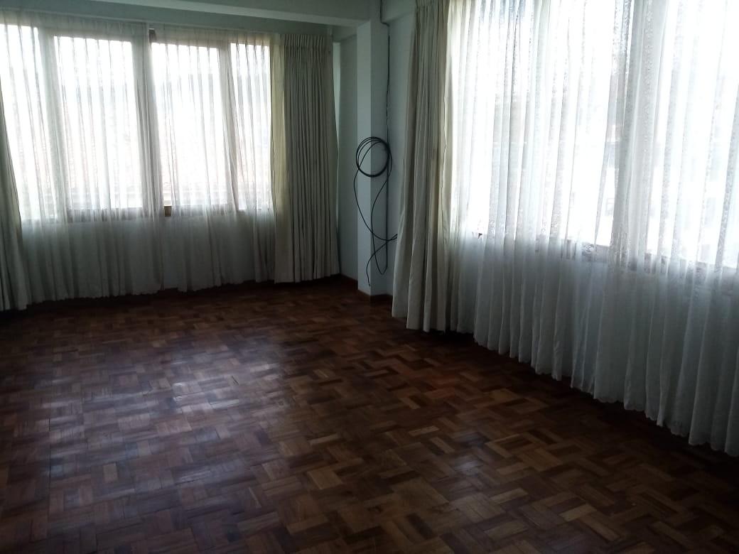 Departamento en Alquiler Zona Sopocachi, calle Abdón Saavedra y  Chaco Foto 14