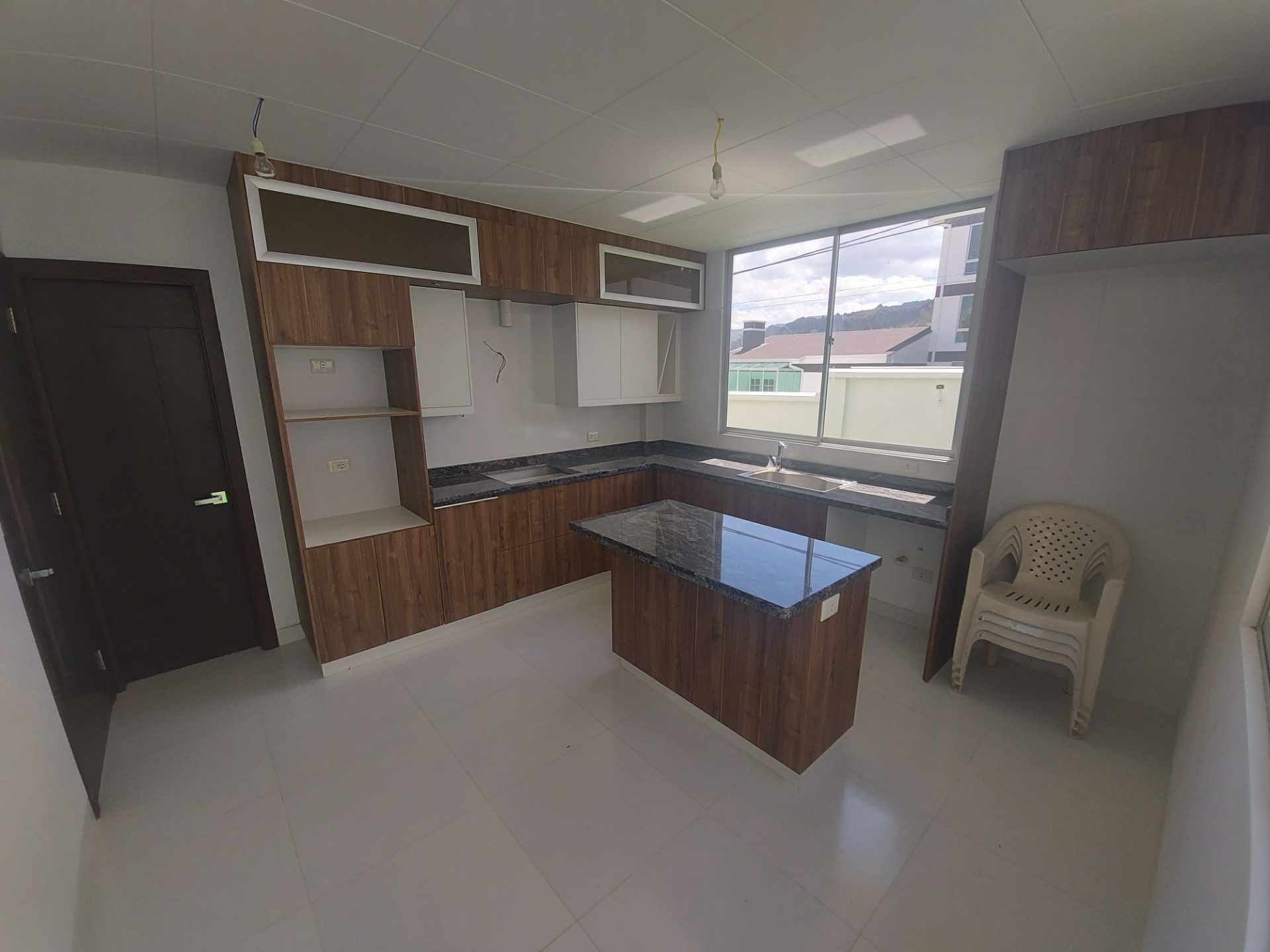 Casa en Venta ACHUMANI HERMOSA CASA NUEVA EN ESQUINA Foto 17