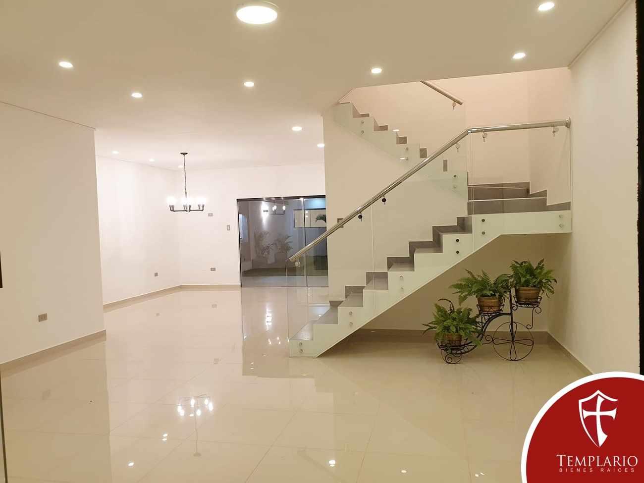 Casa en Venta Av. Santos Dumont 3er y 4to Anillo - Vecindario Residencial Foto 20